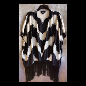 Black & White Small Duster With Tassels
